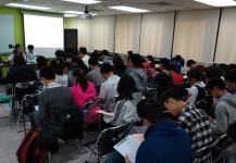 3月 -  免費模擬文憑試